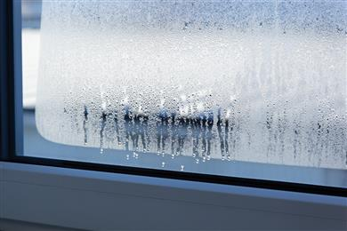 Fight condensation on windows in winter with Guardian ClimaGuard® Dry glass.<br>(Photos Guardian Industries Corp., GRDPR017)