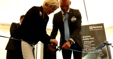 Sofia Westergren, Chairman of the municipality of Stenungsund and Perstorp's Christer Andersson, Site Manager Stenungsund cutting the ribbon to mark the official opening of the company's new state-of-the-art Oxo plant for production of chemical intermediates in Stenungsund, Sweden.<br> (Photo: Perstorp)