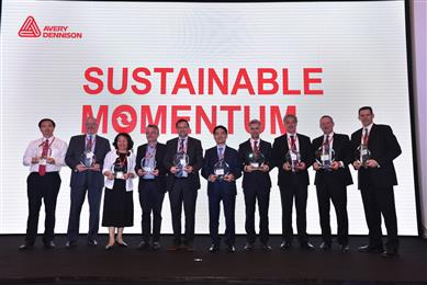 Winners of the Avery Dennison 2016 Global Supplier Awards: (left to right) <b>Zhejiang Ouli Digital</b> (AP Region Innovation Award) - Jack Jiang, General Manager; <b>Expeditors International</b> (Transportation Award) - Pat St. Laurent, Vice President, Network Solutions; <b>Nicely Machinery Development Co., Ltd.</b> (AP Region Indirect Award) - Liza Kao, President; <b>Siliconature</b> (Quality Award) - Paolo Belluz, Sales Manager; <b>DRT</b> (Sustainability Award) - Thierry Desroches, Market Manager Adhesives; <b>Hansol Paper</b> (Emerging Supplier Award) - Sang Hun Lee, President; <b>Munksjö</b> (Service Award) - Marco Troglia, VP Sales and Marketing; <b>Gottleib Binder GmbH</b> (Innovation Award) - Louis Swarz, Sales Director; <b>Quad Plus</b> (Indirect Supplier Award and Supplier of the Year) - Richard Cook, Vice President and Robert Flynn, Global Account Manager. (Photo: Avery Dennison, PR326)