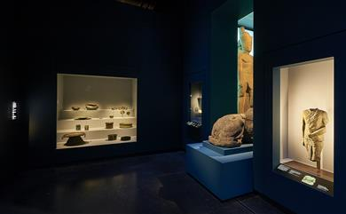 Guardian Clarity™ glass to help showcase the British Museum's first major exhibition of underwater archaeology <i>The BP exhibition Sunken cities: Egypt's lost worlds</i>. 