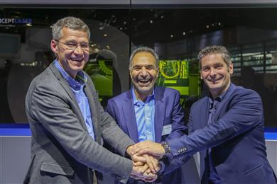 Pictured from Left to Right: Michel Delanaye, co-founder and CEO, GeonX, Mohammad Ehteshami, Vice President and General Manager, GE Additive, Laurent D'Alvise co-founder and CEO, GeonX. <br> (Photo: GE Additive, GEADPR002)