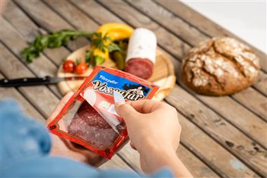 Mondi (re)seals the deal with innovative meat package for Orkla.  (Photo: Mondi, PR098)