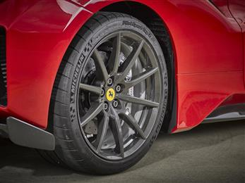 Henkel and Carbon Revolution join forces to speed OEM automotive one-piece carbon fibre wheels development. (Photo: Henkel, PR076)