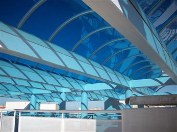 LEXAN™ EXELL™-D sheet can be installed with a curve under stress. The flexible sheets lend themselves to unique designs for various applications such as skylights, canopies and walkways.