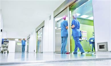 Anti-bacterial, hygienic and touchable wall cladding solution at a hospital, through SABIC's LEXAN™ CLINIWALL™ AC6200 Sheet.